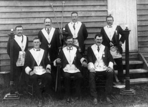 archive_edition_photos_ed_photos_2009_may_2009_photos_ddhs_masonic_lodge_400x289px_150dpi