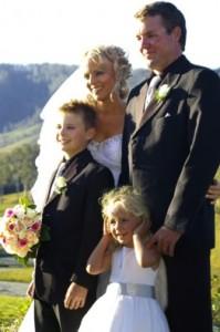 archive_edition_photos_ed_photos_2009_oct_2009_photos_p13_wed_carly_brettfamily_67x100_100dpi