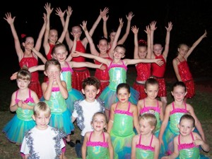 archive_edition_photos_ed_photos_2010_february_2010_photos_p5_ritz_at_carols_300x226px_100dpi