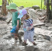 dec_08_photos_kindy_mud_patch_72dpi